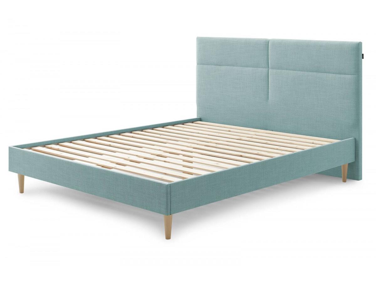Structure de lit ELYNA avec lattes massives pieds en bois naturel 140 x 190 cm